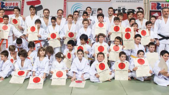 Kagami Biraki ponte tra Judo, Famiglia e Istituzioni