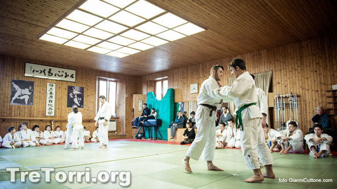 Kagami Biraki 2014, the great happiness of childrens on the Tatami