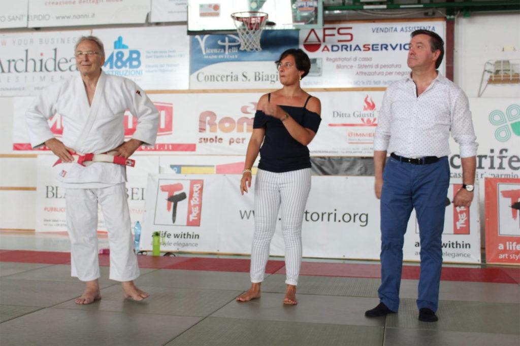 Il Maestro Corrado Croceri con l'Assessore allo Sport di Porto Sant'Elpidio Elena Amurri e il Sindaco di Corridonia Paolo Cartechini.